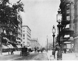 Crossing Fifth Avenue 1889